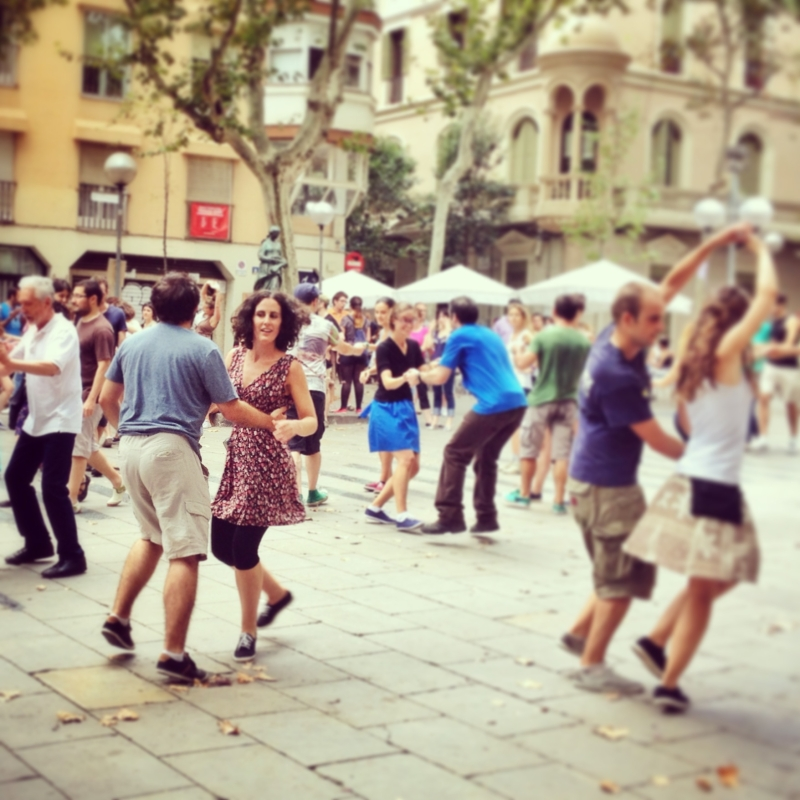 Swing dancers in Vila de Gracia, Barcelona